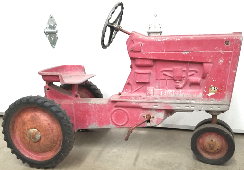 500 Farm Toys at Yoap's Auction Gallery